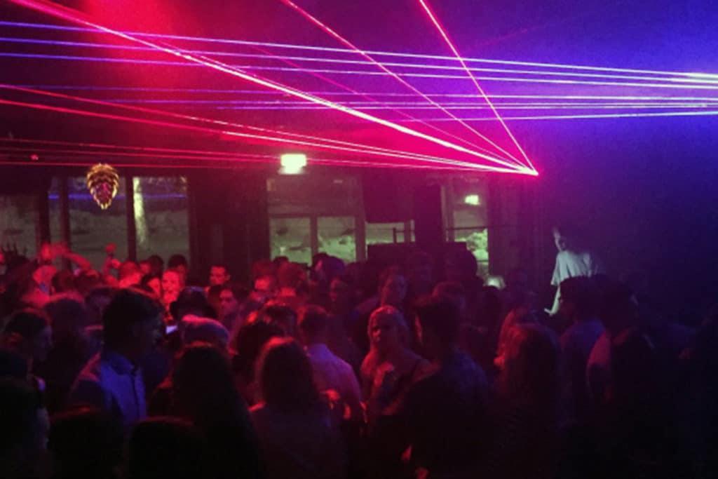 After ski och nattklubb med DJ på Vemdalsskalets Högfjällshotell